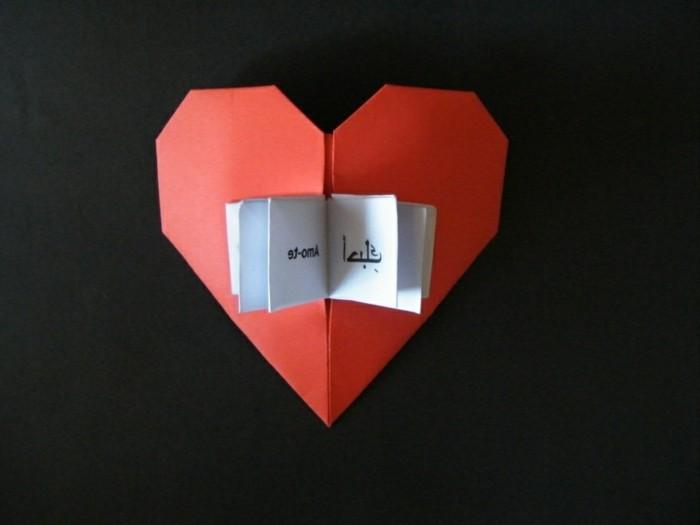 das origami herz in 100 einmaligen bildern. Black Bedroom Furniture Sets. Home Design Ideas