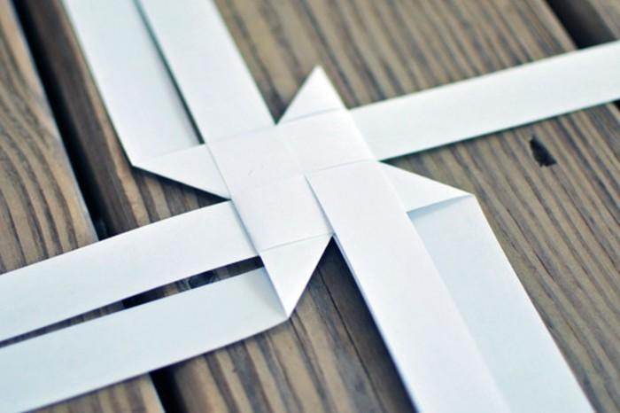 papier-falten-weiße-farbe-interessante-diy-gestaltung
