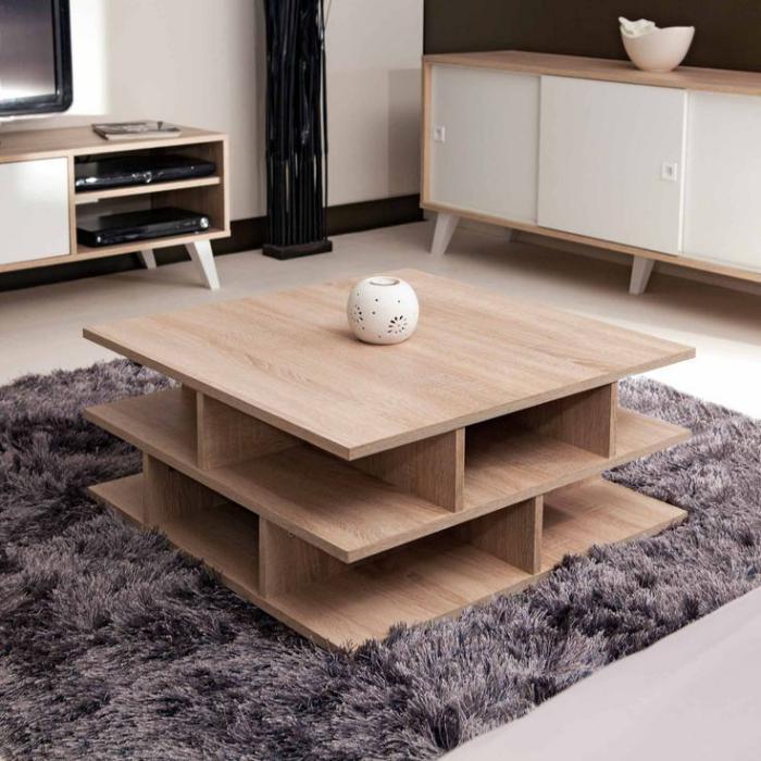 quadratischer-Wohnzimmertisch-mit-interessanter-Struktur