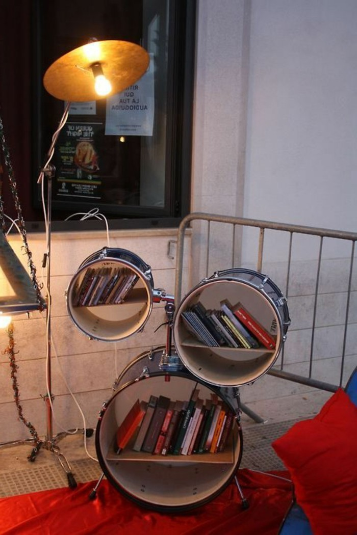 recycling-möbel-kreative-idee-bücherregal