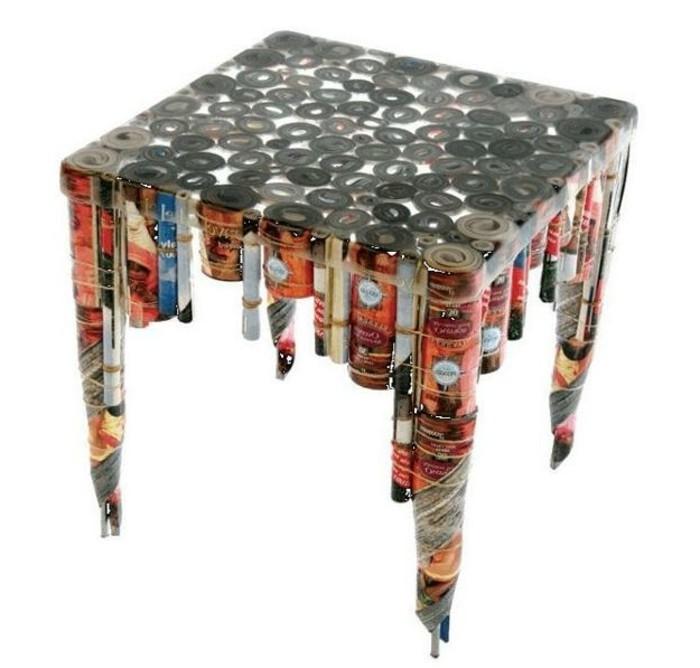 recycling-möbel-unikales-modell-beistelltisch-mit-quadratischer-form