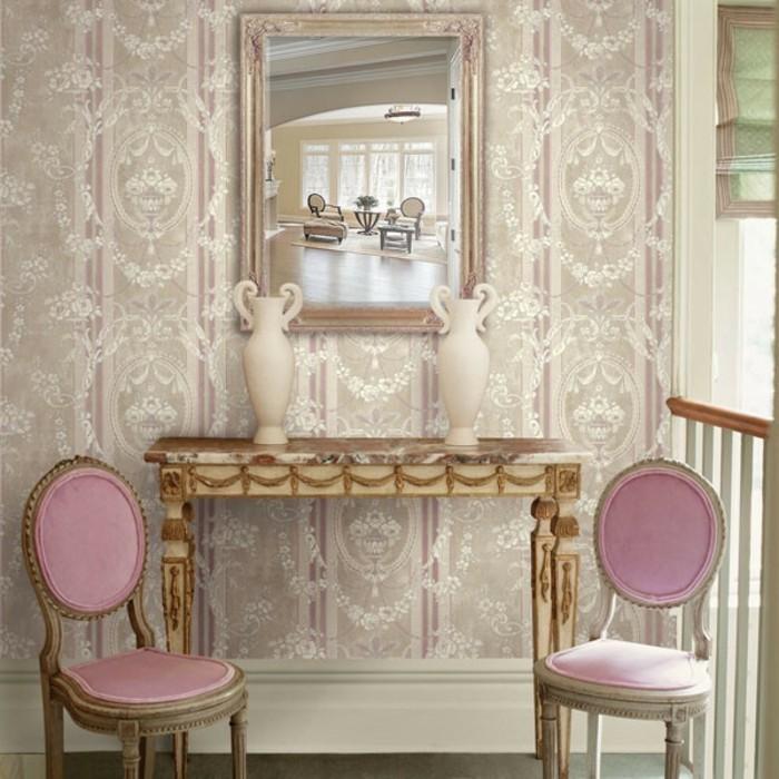 retro-tapeten-für-eine-romantische-wandgestaltung-und-zwei-schöne-rosige-stühle