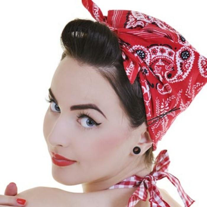 rockabilly-frisur-50er-style-großes-haarband