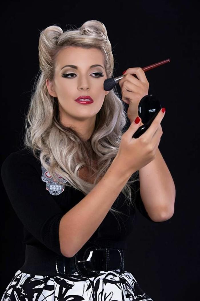 rockabilly-frisur-50er-style-schöne-blonde-lange-haare