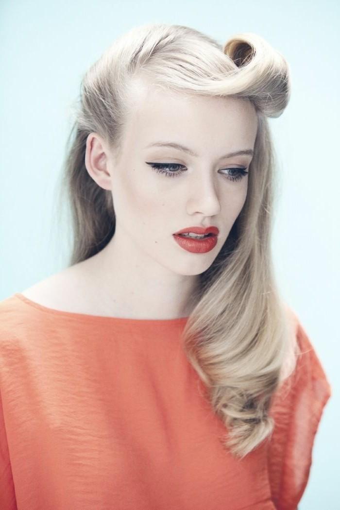 rockabilly-frisuren-sehr-zärtliche-junge-dame-mit-blonden-haaren