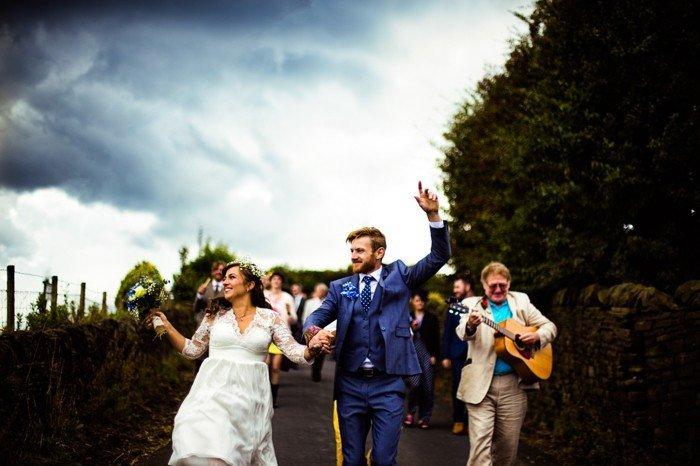 romantisches-Hochzeitsbild-Hochzeit-am-Lande-romantische-Idee