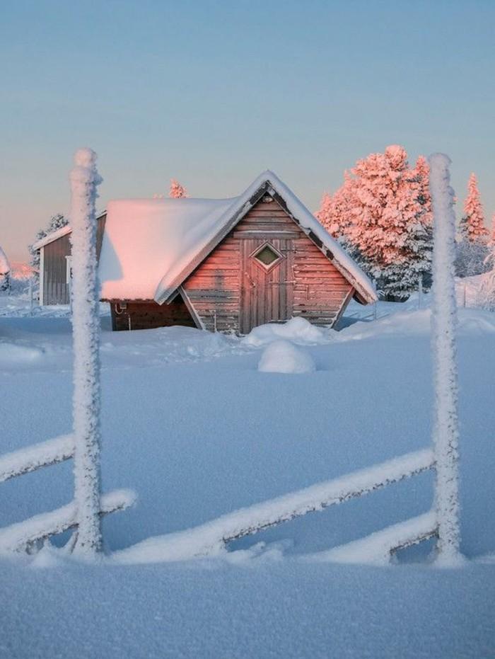 schöne-Winterbilder-Häuschen-im-Schnee-romantisches-Bild