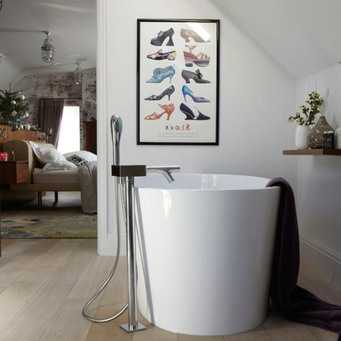 schöne-badgestaltung-ideen-tolle-wand-interessante-badewanne