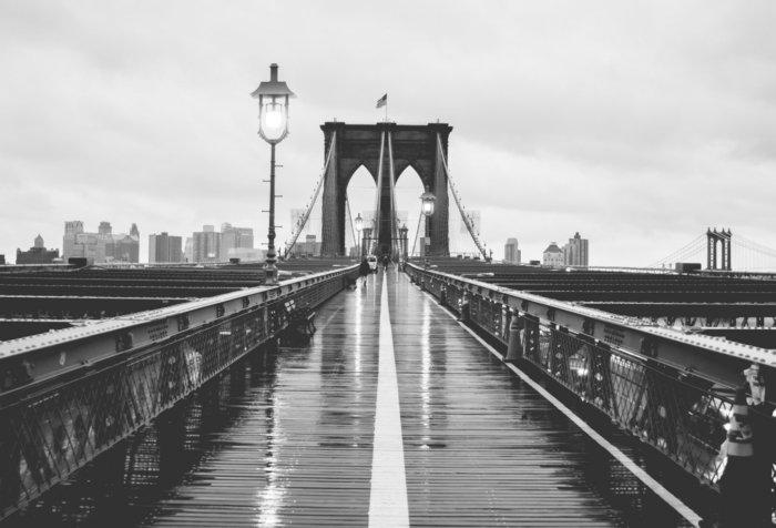 schwarz-weiße-künstlerische-Fotografie-Brücke-in-New-York