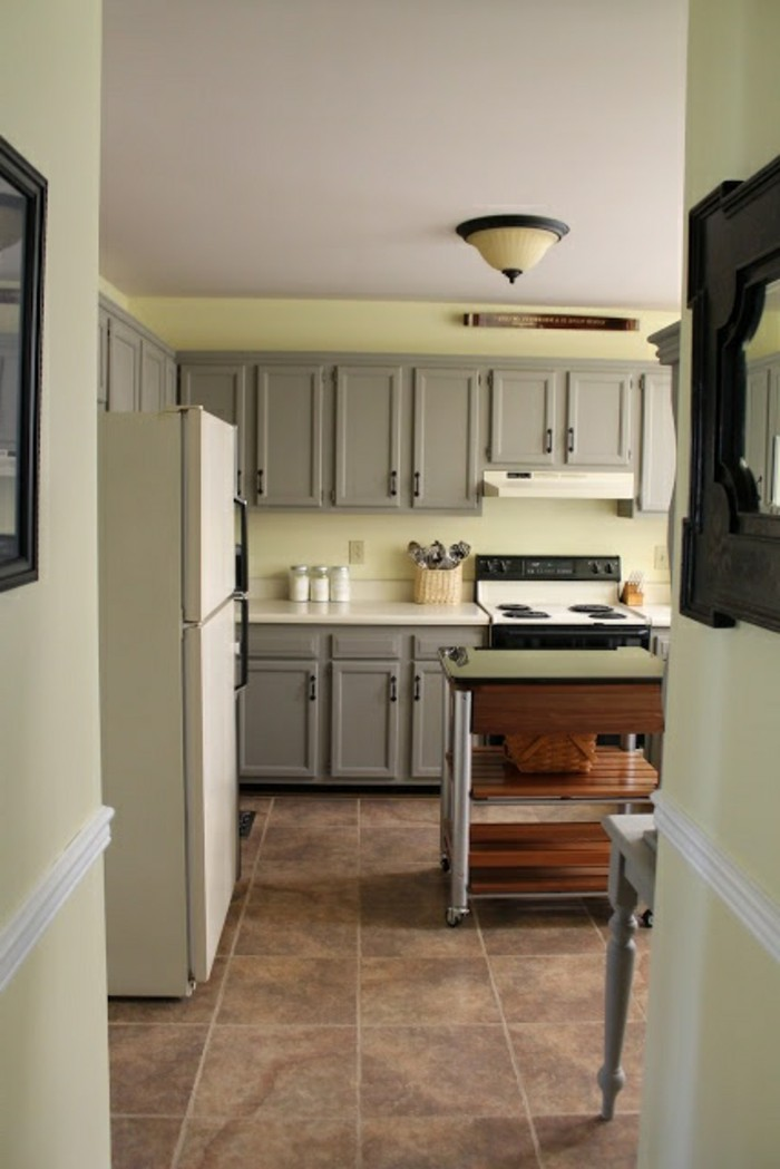 magnolia farbe in einer kleinen sehr schönen küche