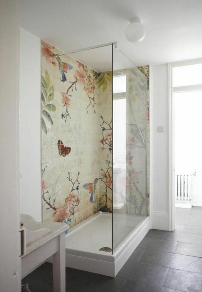 sehr-schöne-badgestaltung-ideen-moderne-bad-fliesen-in-der-duschkabine