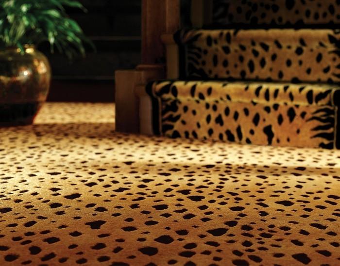 sehr-schickes-modell-teppich-leopard-design