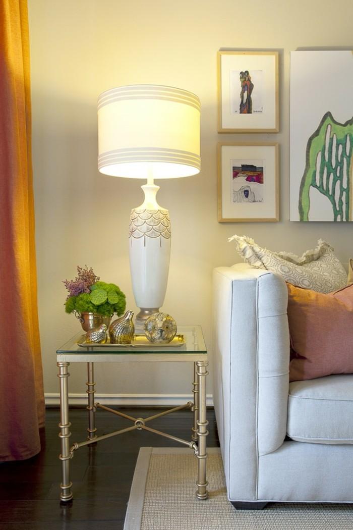 sofaecke-im-wohnzimmer-schöne-raumgestaltung-moderne-tischdeko-und-kreative-wandgestaltung