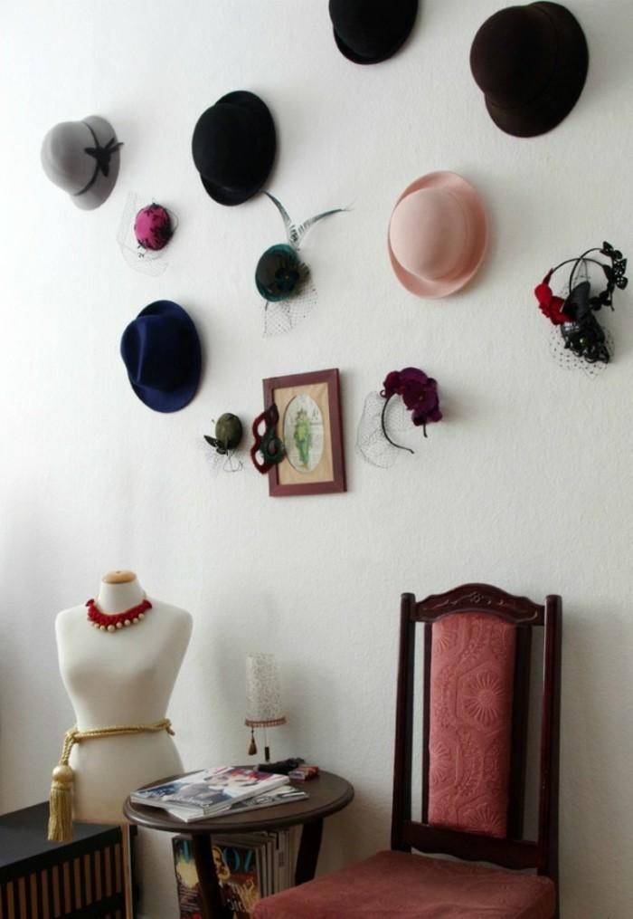 super-tolles-design-raumgestaltung-wand-dekorieren-verschiedene-hüte