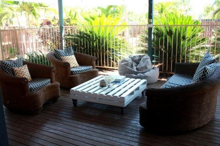 tisch-aus-paletten-attraktive-gartenmöbel-selber-bauen