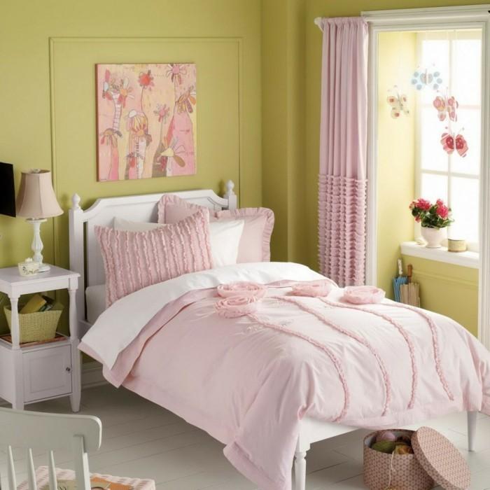 tolle-kindermöbel-im-kleinen-schönen-mädchenzimmer