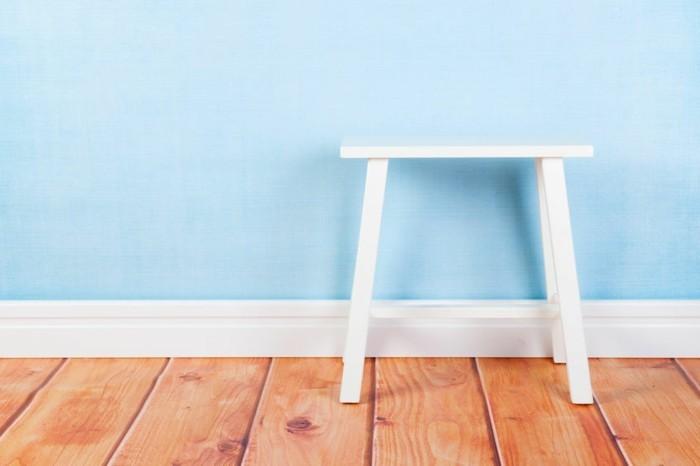 tolle-kleinmöbel-für-die-wohnung-super-schöner-hocker-weißer-stuhl