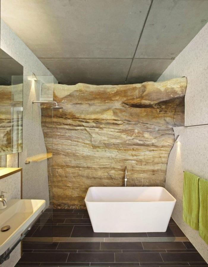 traumbäder-ideen-wunderschönes-design-goldene-farben-weiße-badewanne
