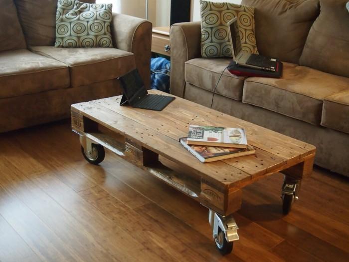 unikales-modell-holzpalette-gestaltung-tolles-design-kreatives-wohnzimmer