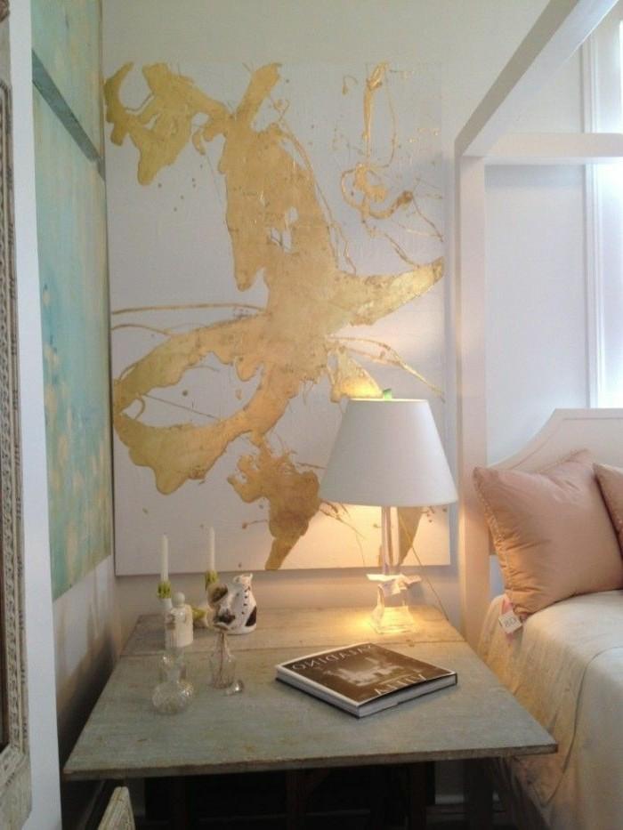 wandfarbe-gold-modernes-und-attraktives-schlafzimmer-gestalten