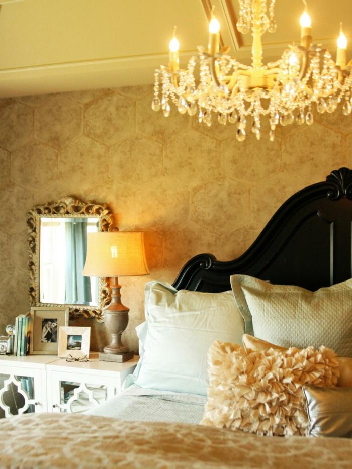 wandfarbe-gold-super-kreatives-und-aristokratisches-design-schlafzimmer