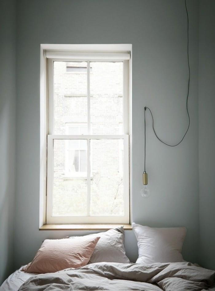 wandfarbe-grau-süßes-kleines-schlafzimmer-gestalten-großes-fenster
