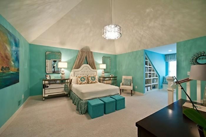 wandfarbe-türkis-unikales-schlafzimmer-gestalten