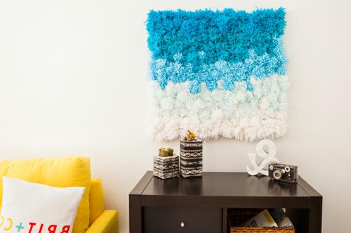 wandgestaltung-farbe-weiß-und-blau-diy-wanddekoration