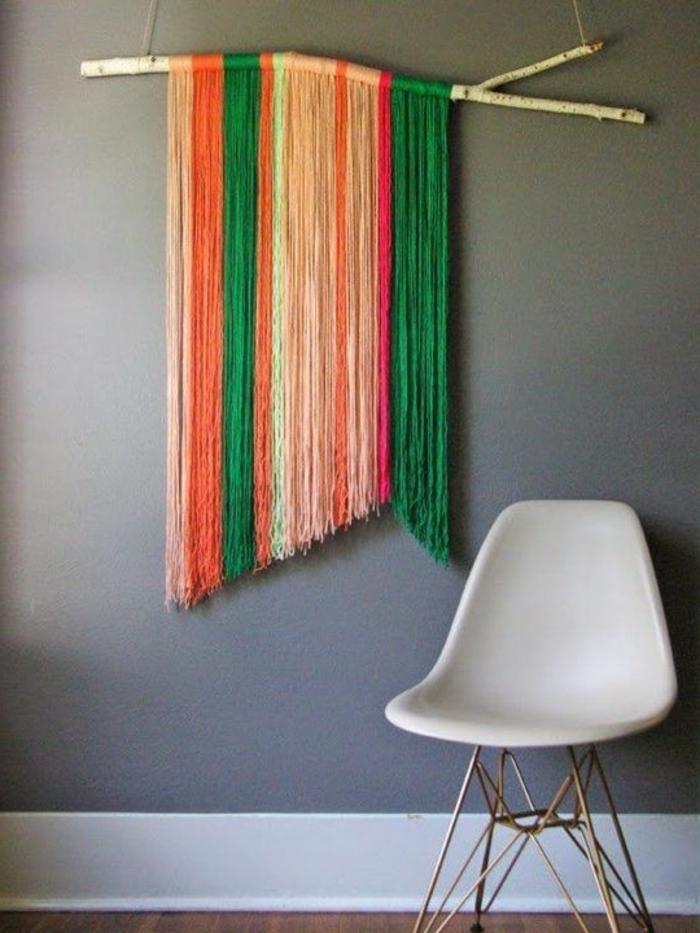 wandgestaltung-selber-machen-bunte-hängende-fäden