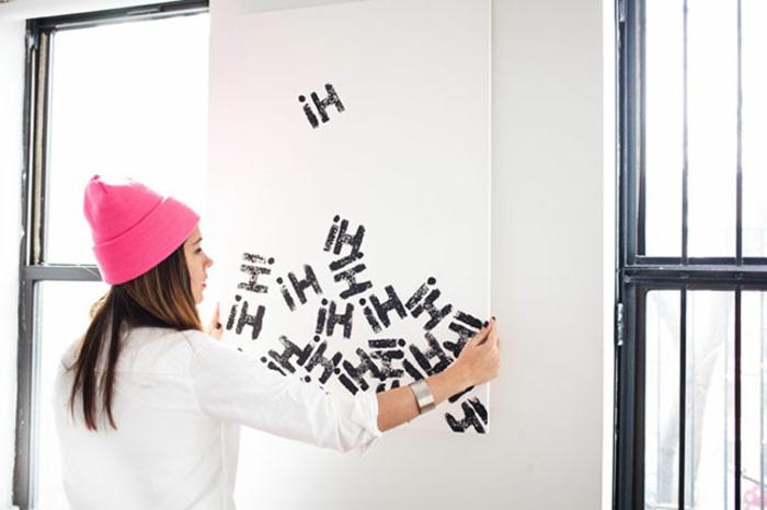wandgestaltung-selber-machen-interessante-anordnung-buchstaben