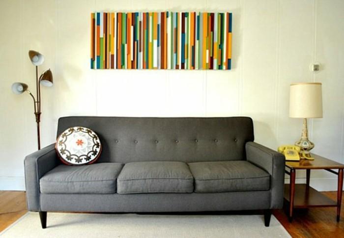 wandgestaltung-selber-machen-wunderschönes-buntes-bild-über-dem-sofa-im-wohnzimmer