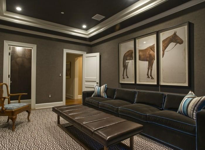 wohnzimmereinrichtung-drei-elegante-bilder-an-der-wand
