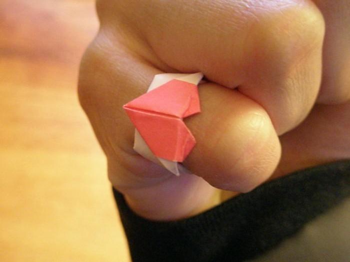 wunderschöne-herze-basteln-einen-ring-selber-machen