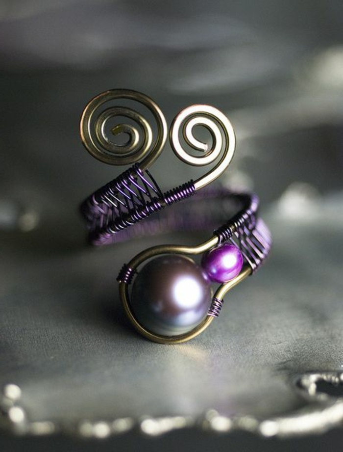 wunderschönes-Modell-Pfau-Damenring-Kupfer-Perlen