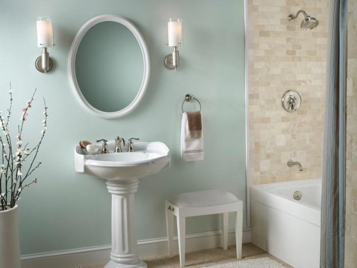 wunderschönes-baddesign-ovaler-spiegel-sehr-tolles-modell