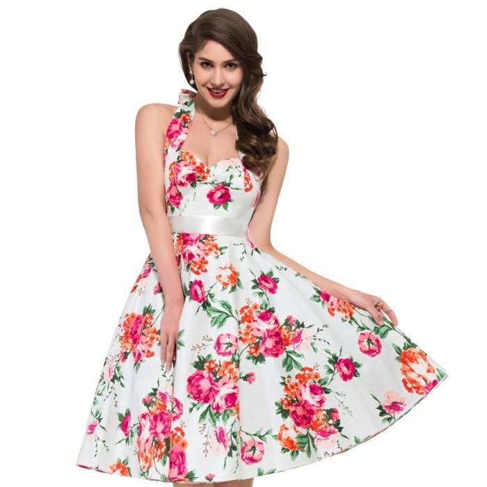 20er-jahre-mode-wunderschönes-kleid-rosige-blumen