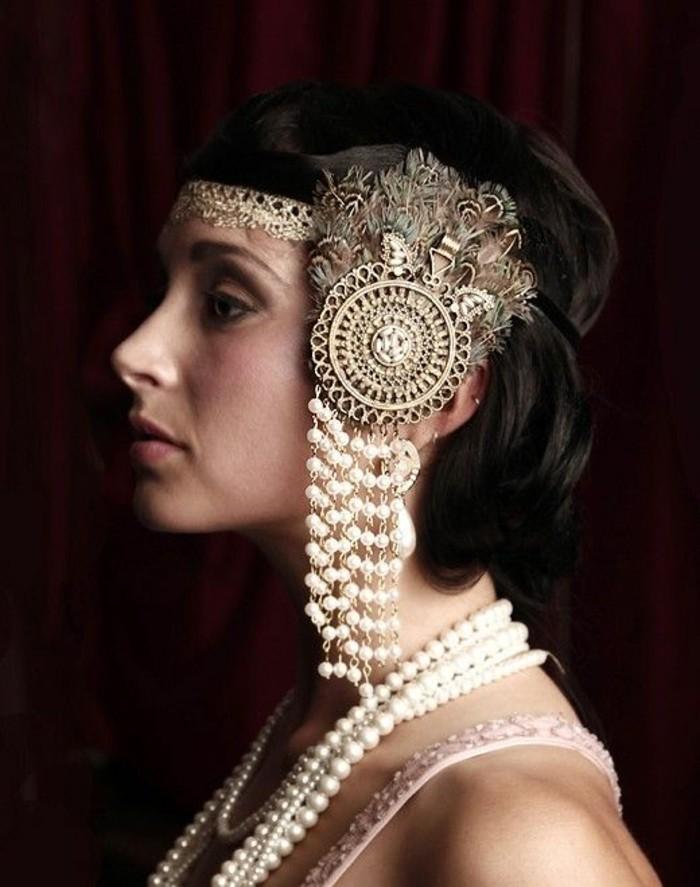 20er-jahre-style-schöne-accessoires-schwarzer-hintergrund