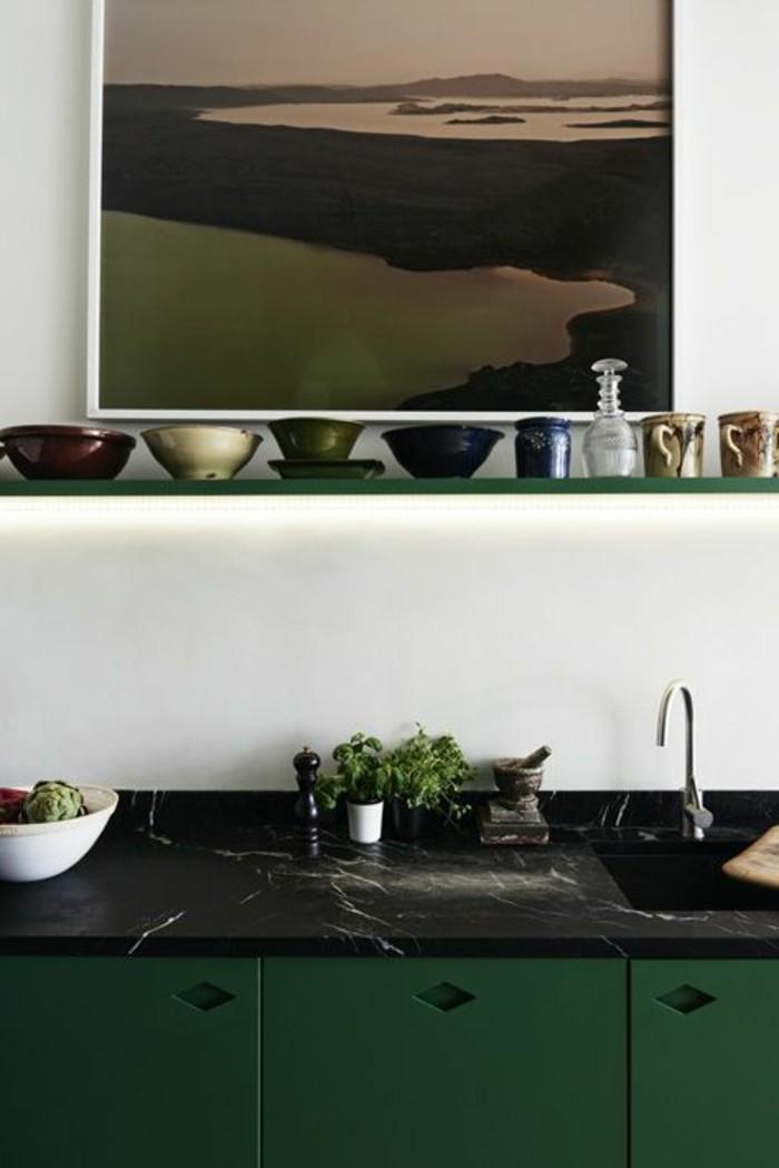 Arbeitsplatte-schwarzer-Marmor-grün