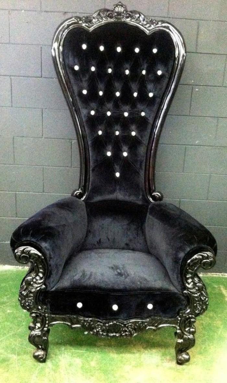 Barock-Sessel-aus-Samt-in-Schwarz
