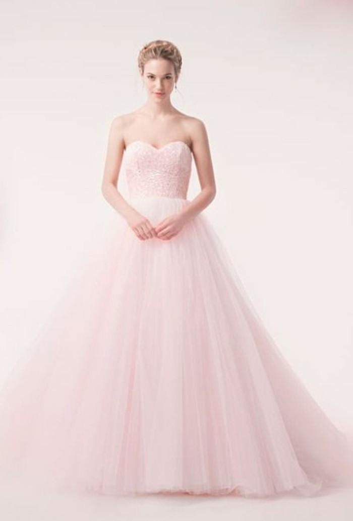 Brautkleid-in-Pink-schlichtes-design