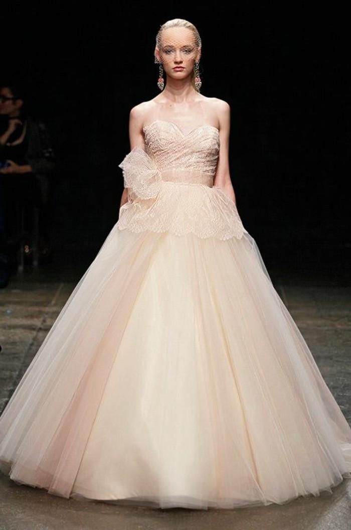 Brautkleid-in Rosa-Colin-Cowie