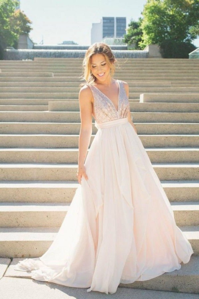 Brautkleid-in-Rosa--mit-schleife