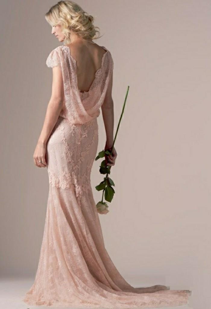 Brautkleid-in-Rosa-und-ein-weißes-Rosa