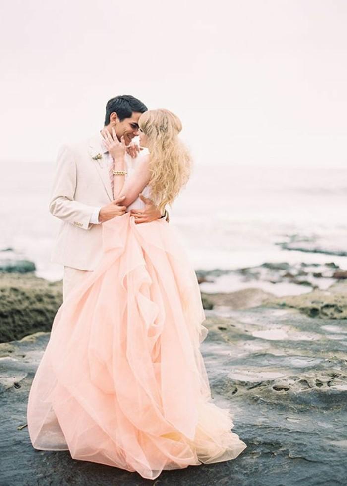 Brautkleid-in Rosa-zart-und-schön