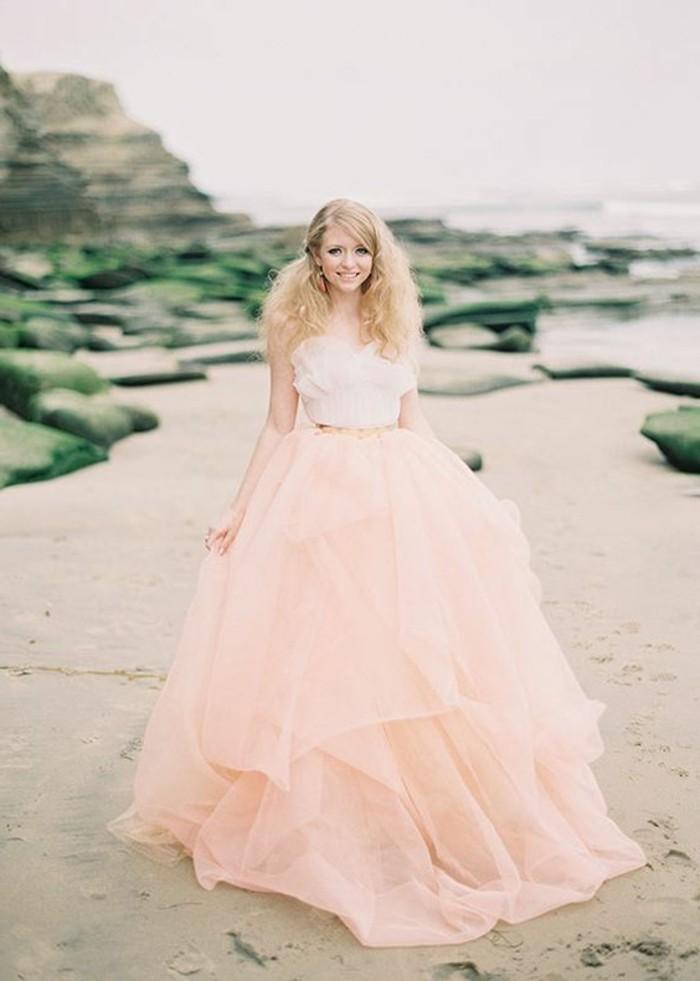 Brautkleid-in-rosa-und-weiß