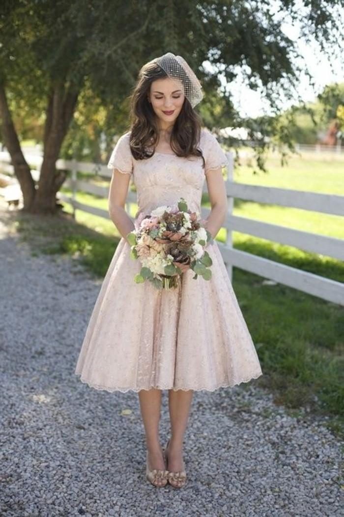 Brautkleider-50er-Jahren-in-rosa