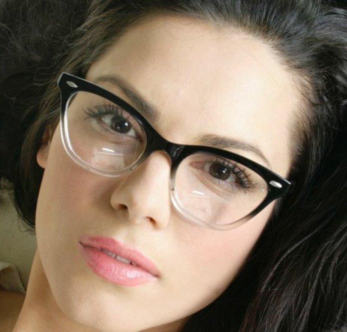 Brillen-ohne-Stärke-mit-interessantem-Design
