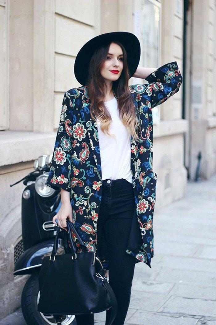 Damen-Jacke-mit-buntem-Muster