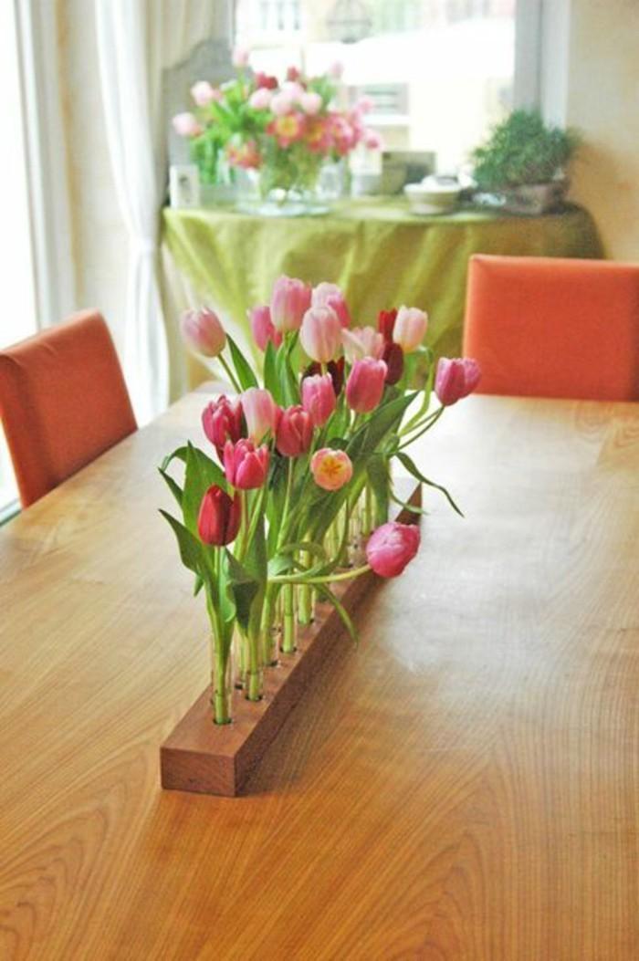 Dekoideen-für-den-Frühling-tischdekoration-mit-frischen-blumen