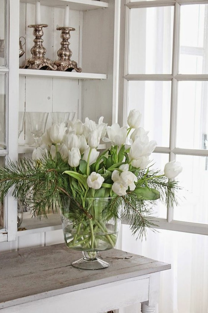 Dekoideen-für-den-Frühling-weiße-tulpen